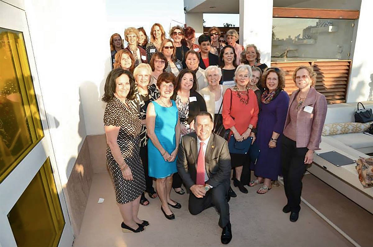 "Mayor Philip Levine recognizes 20 years of ""Women Worth Knowing"""